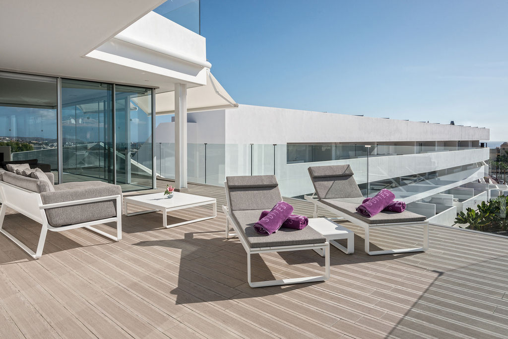 Luxury Indulgence Suite - Terraza
