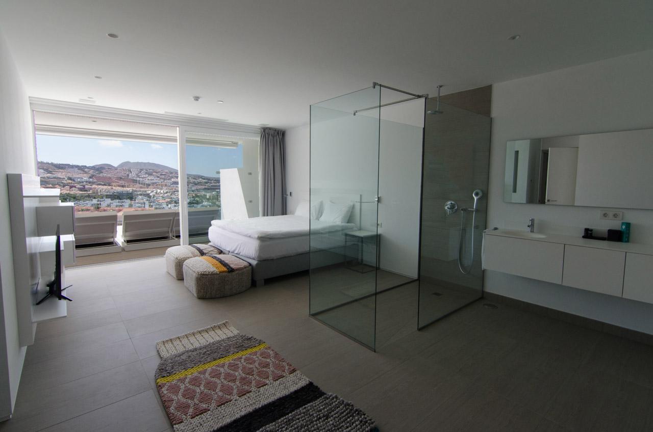 Luxury Allegra Suite - Dormitorio & Ducha efecto lluvia