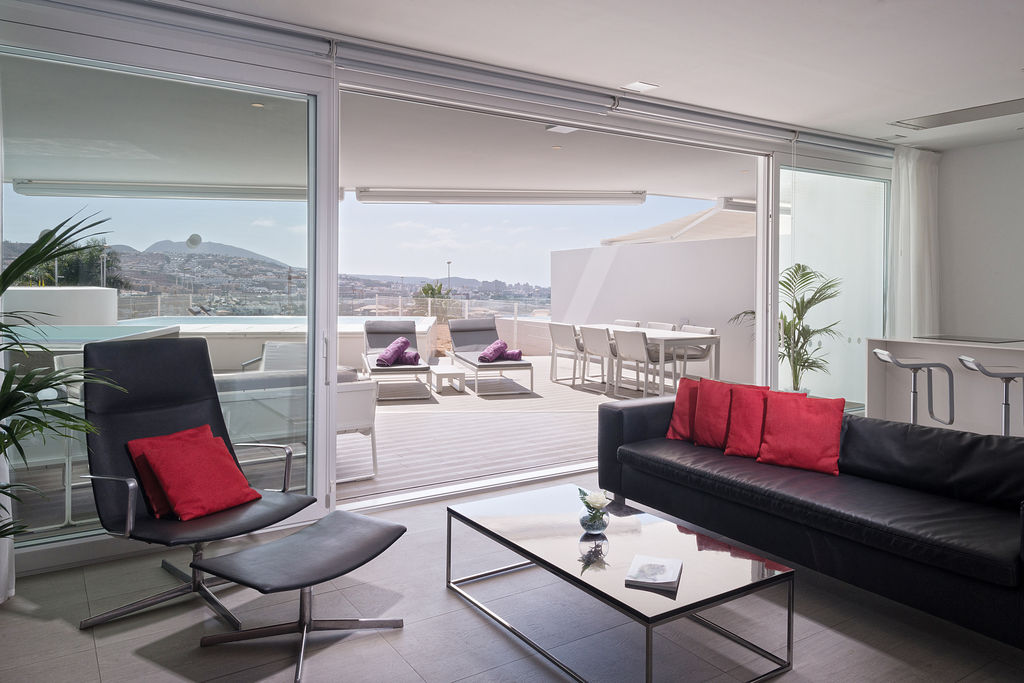 Serenity Mar - Living area
