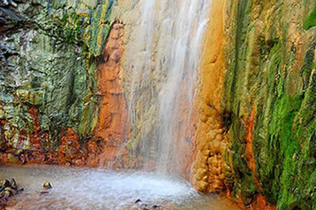 cascadadecolores