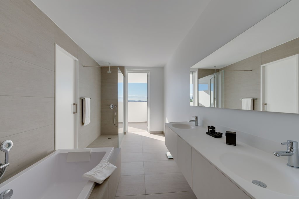 Luxury Breeze - Baño