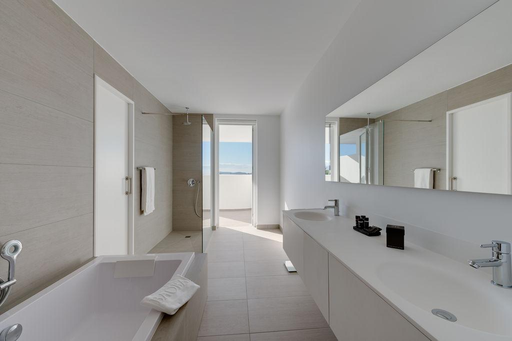 Luxury Breeze - Baño
