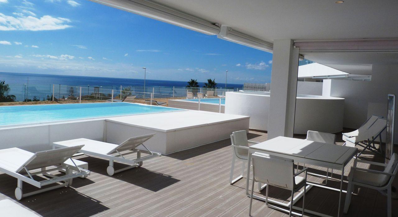 Luxury Breeze - Terrace