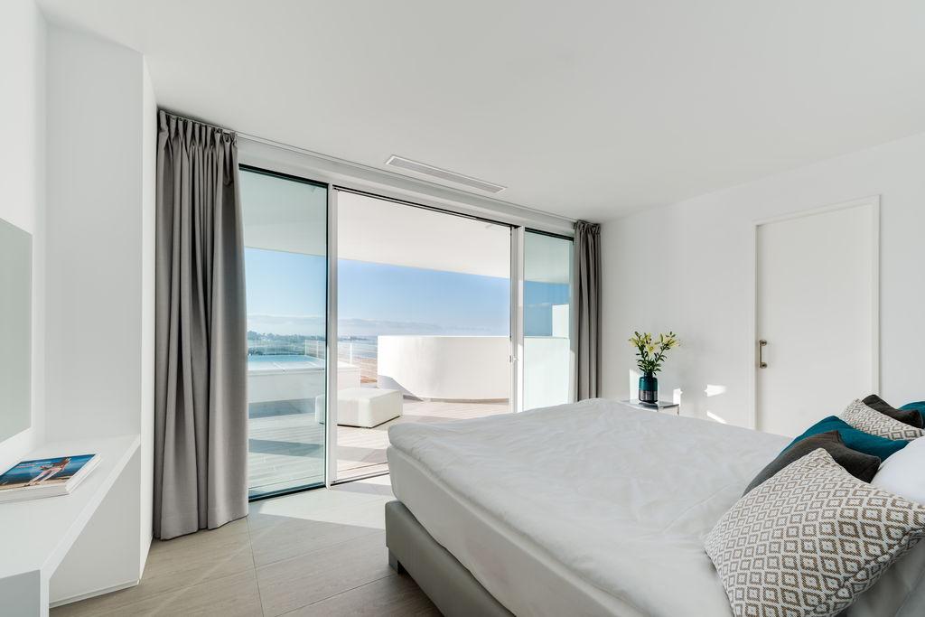 Luxury-Breeze-Bedroom