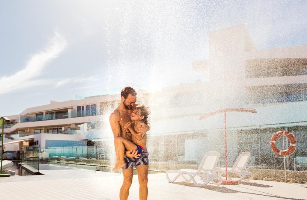 ducha-baobab-hotel-costa-adeje-tenerife-sur